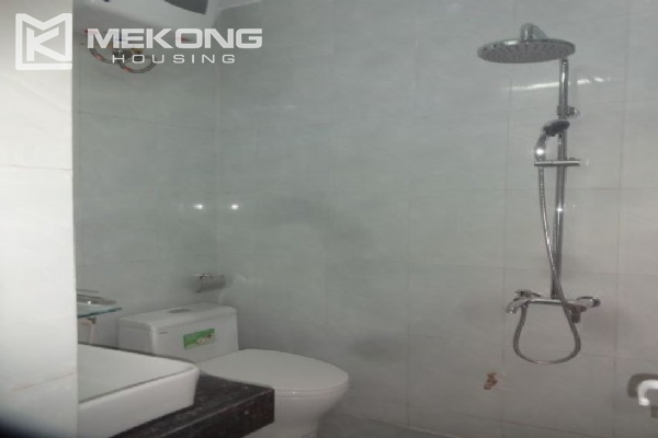 Cheap serviced apartment with 1 bedroom for rent in Au Co street, Tay Ho 7
