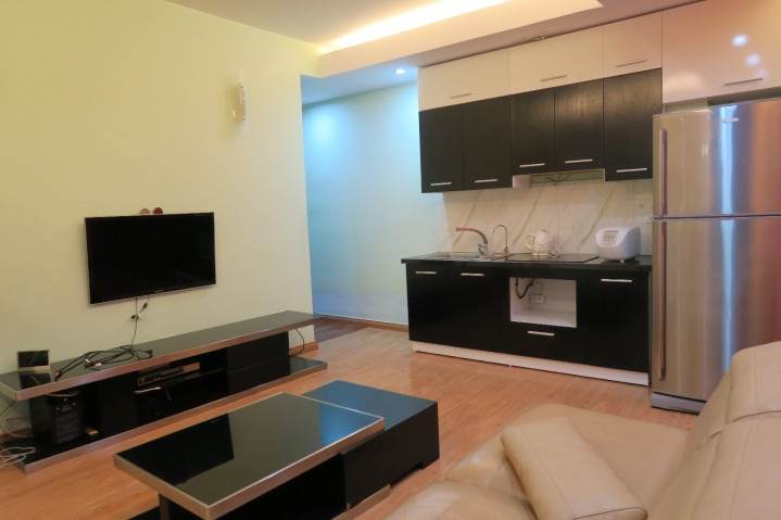 Cheap serviced apartment with 2 bedrooms for rent in Lieu Giai, Ba Dinh, Hanoi