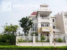 Ciputra corner villa with 5 bedrooms, very large and modern for rent