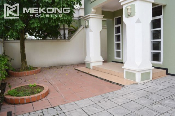 Ciputra  furnished villa for rent in T5 block with 5 bedroooms, full of natural light 7