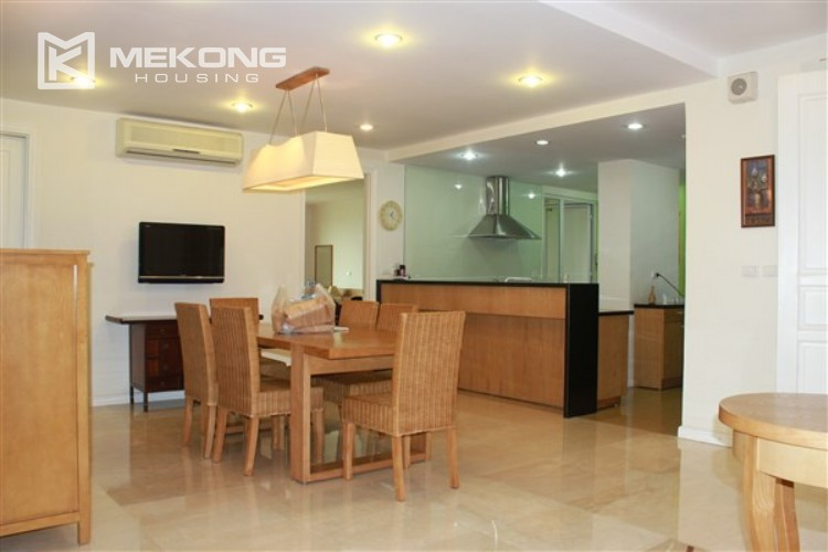 Ciputra renovated and spacious apartment with 4 bedrooms in P1 tower 5