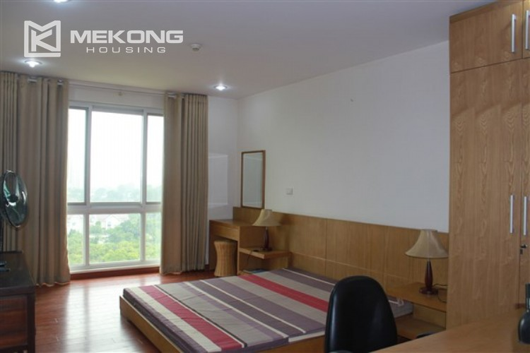 Ciputra renovated and spacious apartment with 4 bedrooms in P1 tower 8