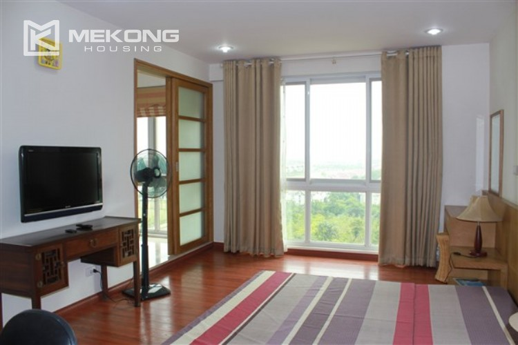 Ciputra renovated and spacious apartment with 4 bedrooms in P1 tower 9
