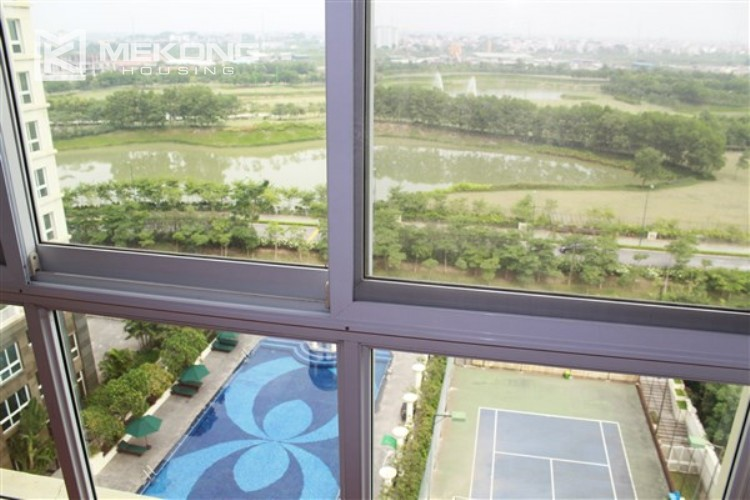 Ciputra renovated and spacious apartment with 4 bedrooms in P1 tower 17
