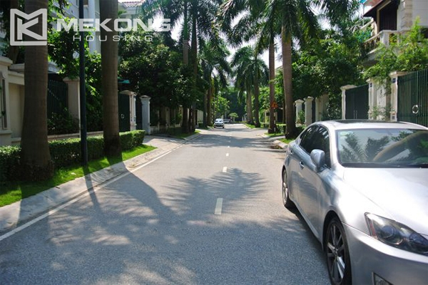 Ciputra villa for rent in C5 block with 5 bedroom and modern furniture 20