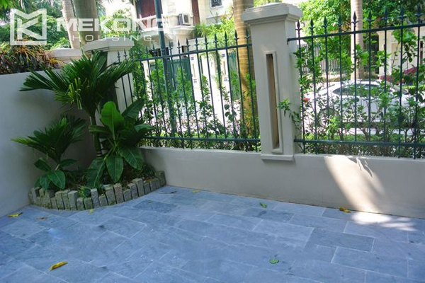 Ciputra villa for rent in C5 block with 5 bedroom and modern furniture 2