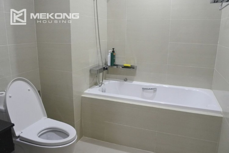Fantastic 154 sqm apartment with 3 bedrooms on high floor in L3 tower Ciputra Hanoi 6