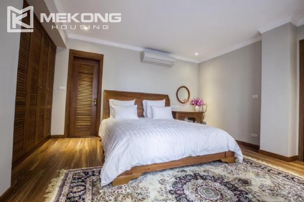 Fantastic Penthouse apartment with large terrace and luxury furniture for rent in Thai Phien street, Hai Ba Trung district 6