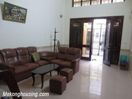 Four bedrooms house for rent in Ton Duc Thang street, Dong Da, Hanoi 4