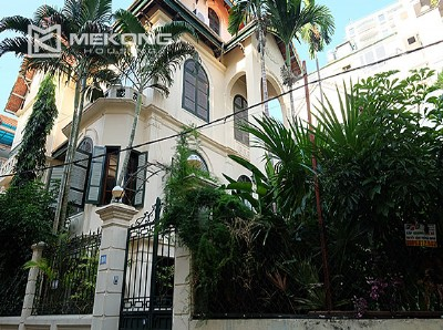 French style villa with 5 bedrooms for rent in Tay Ho, Hanoi