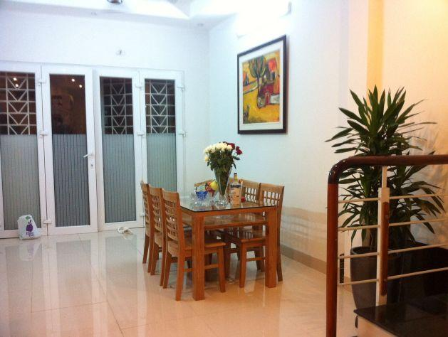 Full furniture house with 3bedrooms for rent in Dang Thai Mai street, Tay Ho, Hanoi