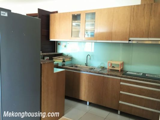 Fullly furnished apartment with 3 bedrooms for rent in Vuon Dao building, Lac Long Quan street, Tay Ho 4