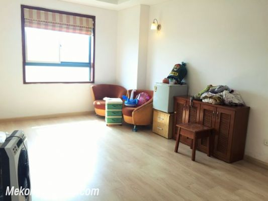 Fullly furnished apartment with 3 bedrooms for rent in Vuon Dao building, Lac Long Quan street, Tay Ho 7