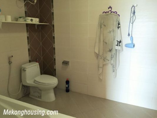 Fullly furnished apartment with 3 bedrooms for rent in Vuon Dao building, Lac Long Quan street, Tay Ho 8