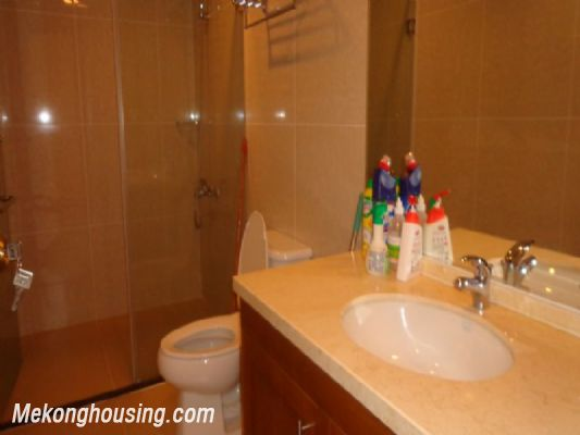 Fully furnished 2 bedroom apartment on high floor for rent in Vinhomes Royal City, Thanh Xuan district, Hanoi 11