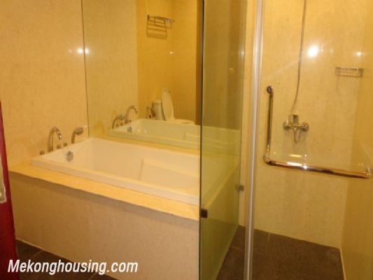 Fully furnished 2 bedroom apartment on high floor for rent in Vinhomes Royal City, Thanh Xuan district, Hanoi 12
