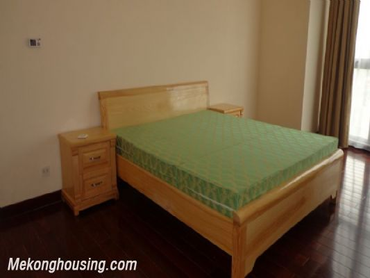 Fully furnished 2 bedroom apartment on high floor for rent in Vinhomes Royal City, Thanh Xuan district, Hanoi 7