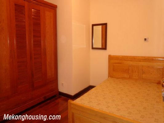 Fully furnished 2 bedroom apartment on high floor for rent in Vinhomes Royal City, Thanh Xuan district, Hanoi 9