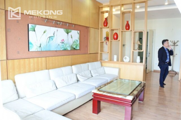 Fully furnished apartment with 3 bedrooms for rent at 713 Lac Long Quan street, Tay Ho 3