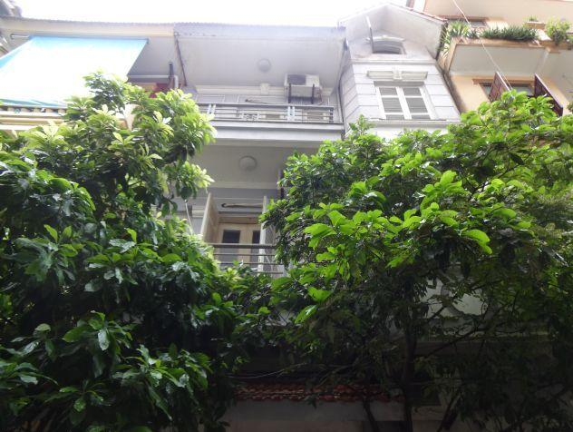Fully furnished house with 4 bedrooms for rent in Nghi Tam, Tay Ho district, Hanoi