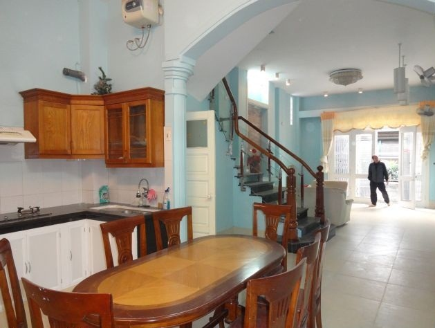 Fully furnished house with 6 bedrooms for rent in Nghi Tam village, Tay Ho district, Hanoi