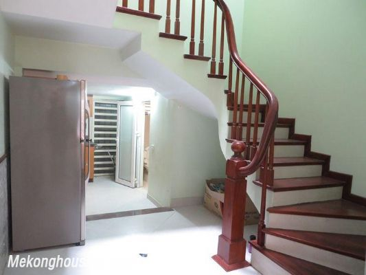 Fully furniture house with 3 floors for rent in Nguyen Chi Thanh, Ba Dinh, Hanoi 2