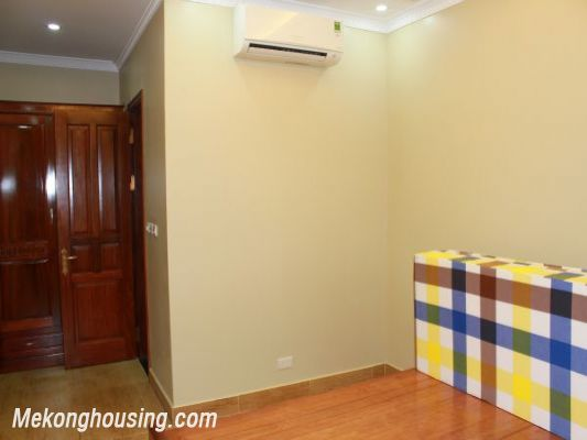 Furnished  apartment with 2 bedrooms at good price for rent in Golden Palace, Me Tri, Hanoi 6