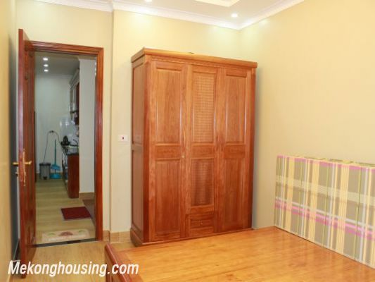 Furnished  apartment with 2 bedrooms at good price for rent in Golden Palace, Me Tri, Hanoi 9