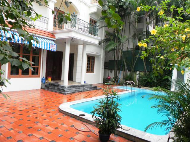 Furnished French style villa with 6 bedrooms and outdoor swimming pool in Dang Thai Mai street