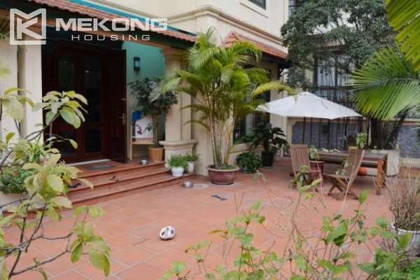 Furnsihed Villa with swimming pool, nice courtyard, and spacious living space in To Ngoc Van street 6
