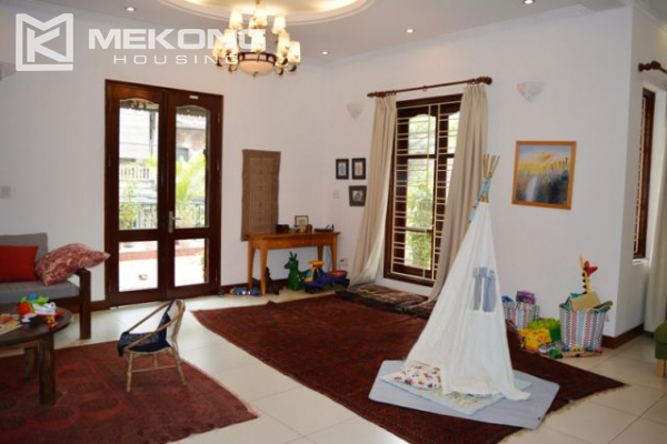 Furnsihed Villa with swimming pool, nice courtyard, and spacious living space in To Ngoc Van street 11