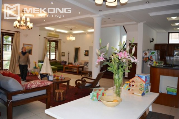 Furnsihed Villa with swimming pool, nice courtyard, and spacious living space in To Ngoc Van street 8
