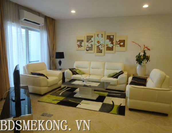 Golden WestLake 03 bedrooms apartments with lake view, fully furniture for rent