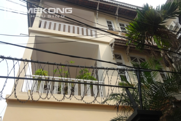 Good furniture villa with 4 bedrooms for rent in To Ngoc Van street, Tay Ho 1