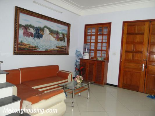Good Price House For Rent in Hoan Kiem district, 03 Bedrooms 2