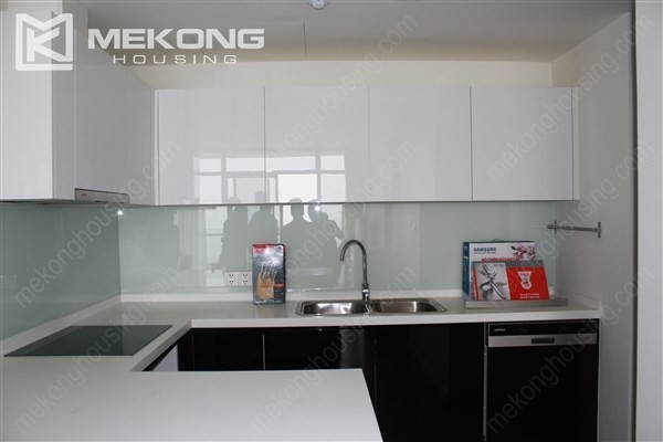 Gorgeous 2 bedroom apartment with Westlake view in Watermark Westlake, Lac Long Quan 7