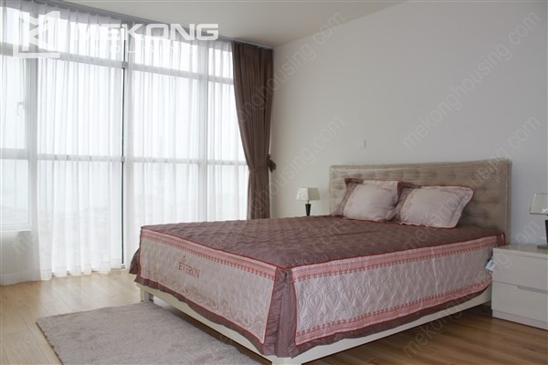 Gorgeous 2 bedroom apartment with Westlake view in Watermark Westlake, Lac Long Quan 9