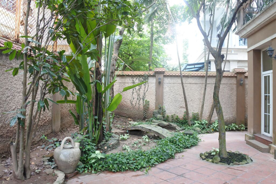 Gorgeous villa with 5 BRs for rent in D Block, Ciputra Hanoi, unfurnished 4