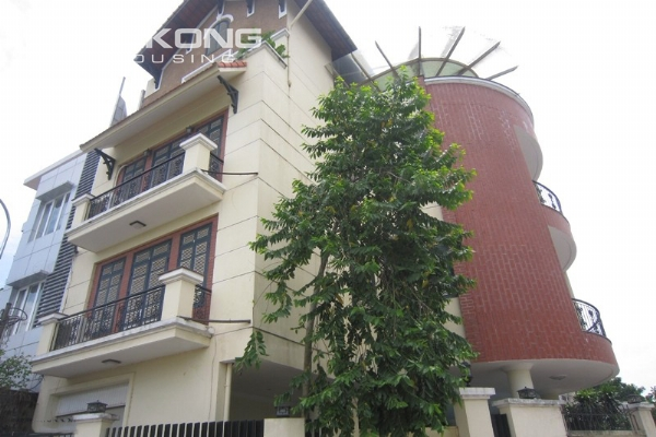 Hanoi Tay Ho villa for rent with swimming pool 3
