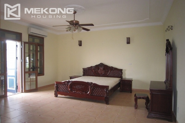 Hanoi Tay Ho villa for rent with swimming pool 8