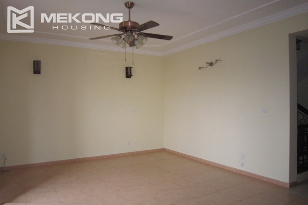 Hanoi Tay Ho villa for rent with swimming pool 11