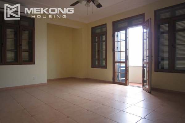 Hanoi Tay Ho villa for rent with swimming pool 12