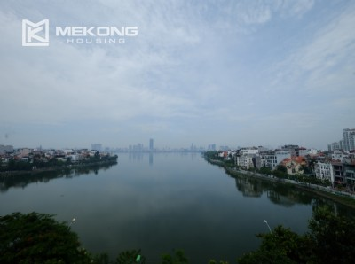 High floor with very nice lakeview in Xuan Dieu