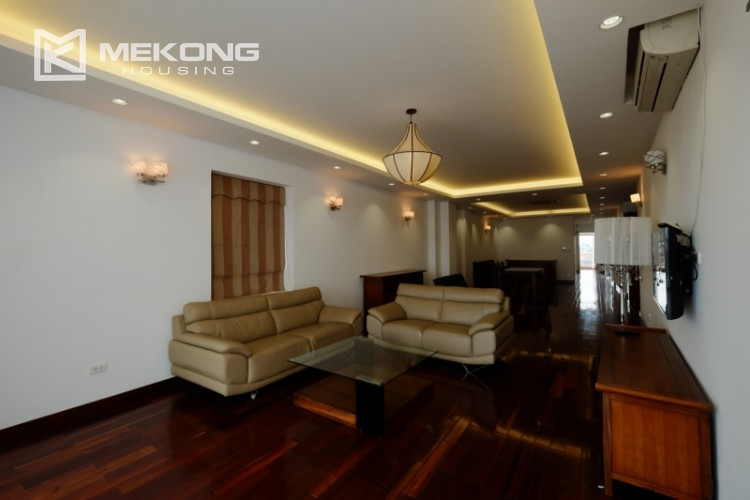 High floor with very nice lakeview in Xuan Dieu 3