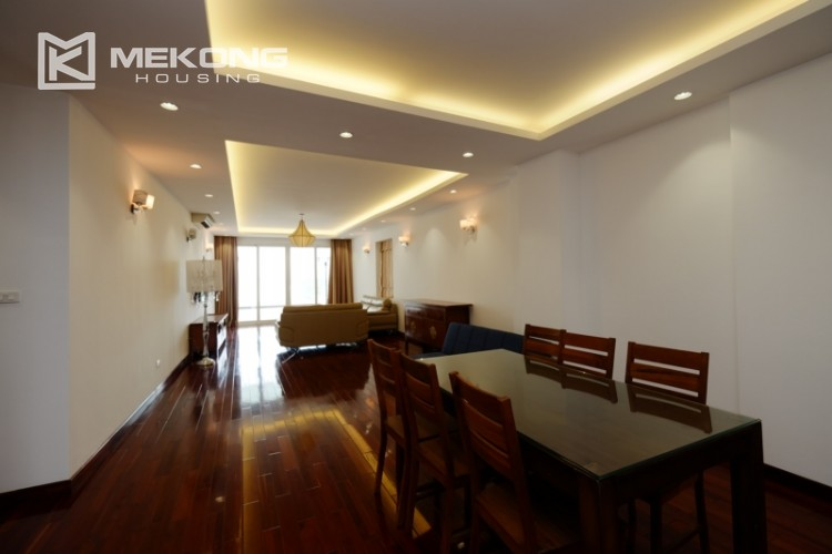 High floor with very nice lakeview in Xuan Dieu 6