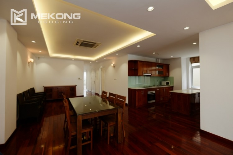 High floor with very nice lakeview in Xuan Dieu 10