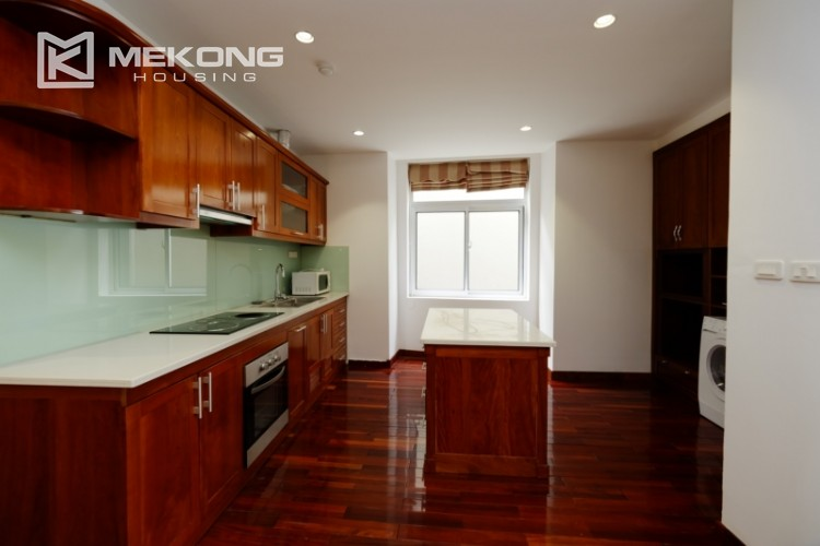 High floor with very nice lakeview in Xuan Dieu 11