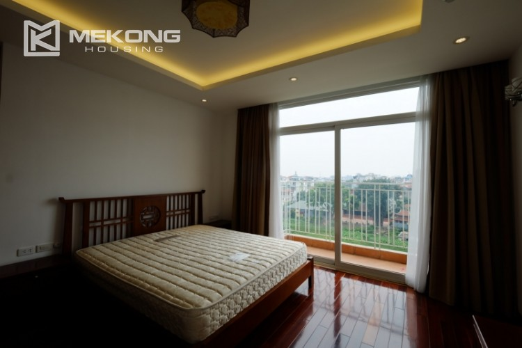 High floor with very nice lakeview in Xuan Dieu 17