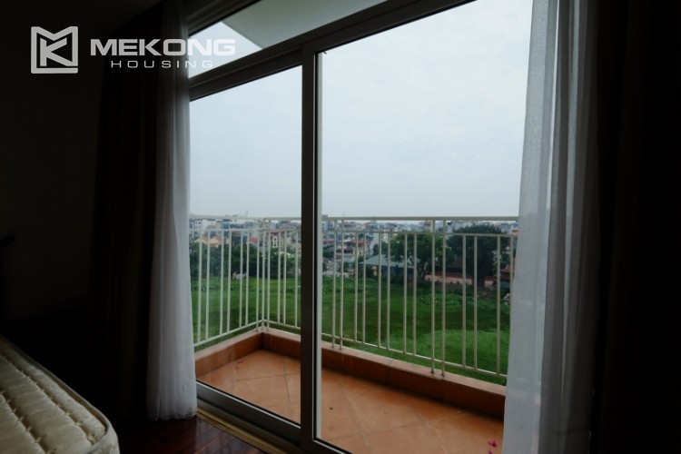 High floor with very nice lakeview in Xuan Dieu 20