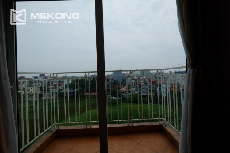 High floor with very nice lakeview in Xuan Dieu 23